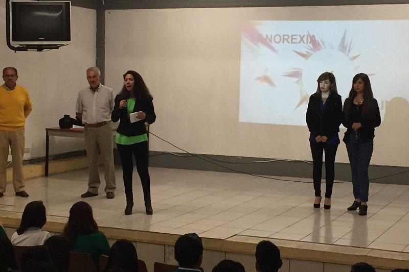 La  directora del Conalep Michoacán, Minerva Bautista Gómez, indicó que es tarea de los directivos y profesores de la institución abordar este tipo de problemáticas para detectarlas a tiempo y evitarlas