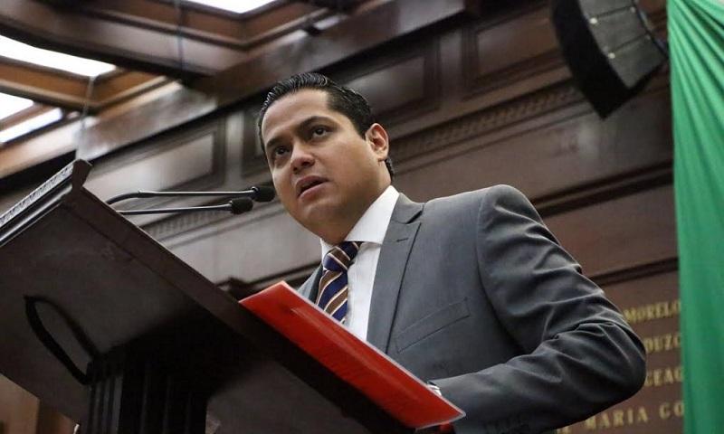 Moncada Sánchez expuso que Michoacán atraviesa actualmente por una severa crisis financiera por el desvío que han hecho servidores públicos por miles de millones de pesos en detrimento de todos los michoacanos