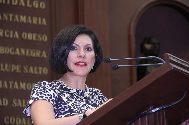 Quintana León reprochó el hecho lamentable de las recientes amenazas directas a la diputada Yarabí Ávila González; por lo que hizo un llamado a las autoridades a que se dé puntual seguimiento al caso