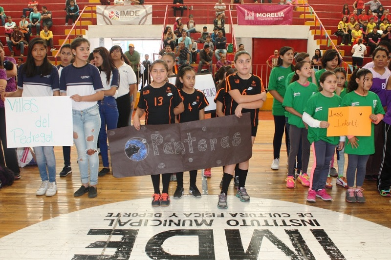 El ayuntamiento de Morelia, encabezado por el Alcalde, Alfonso Martínez Alcázar, a través del IMDE, dio inicio al torneo de una de las disciplinas más populares en la ciudad como es el voleibol de sala