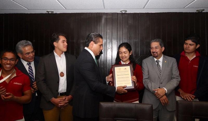 Aureoles Conejo celebró que el Colegio de Bachilleres cuente con estos estudiantes que representan un orgullo para nuestro estado