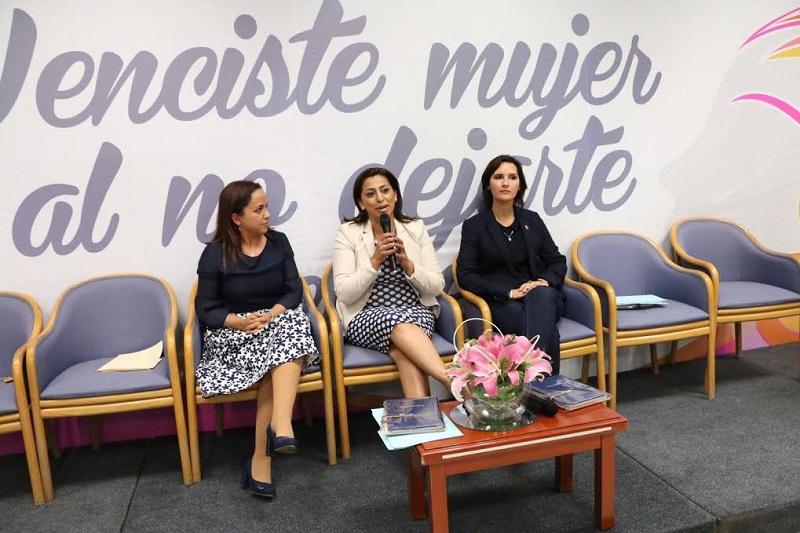 Los integrantes del Grupo Parlamentario del PAN hicieron un llamado a las mujeres michoacanas para que se involucren más en la vida política de la entidad