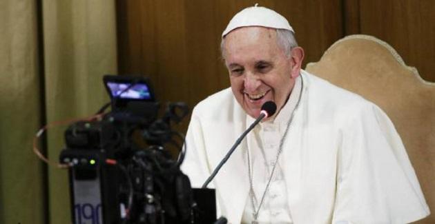 Ahora llega una aplicación para ayudar a todos a rezar junto a Francisco. Se llama Click to Pray y sirve para rezar en comunión con el Papa por sus intenciones de oración