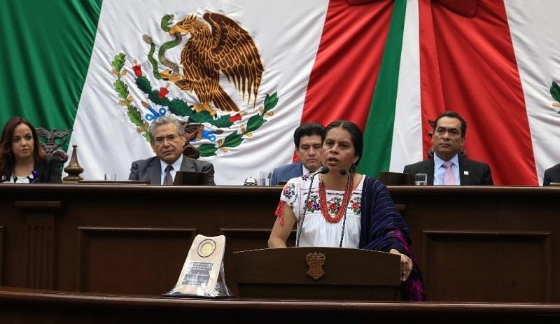 """Otorgó Congreso del Estado condecoración """"Michoacanas por Michoacán"""""""