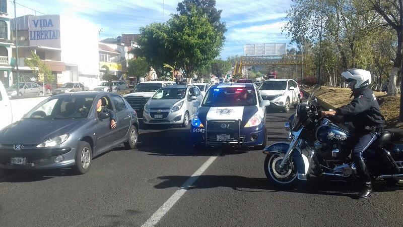 En las zonas en donde se reportan daños en semáforos se trasladó una unidad de la corporación policiaca