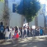 La movilización comenzó en la Calzada Fray Antonio de San Miguel, por la Avenida Madero, y se prevé que culminará antes del Monumento al General Lázaro Cárdenas