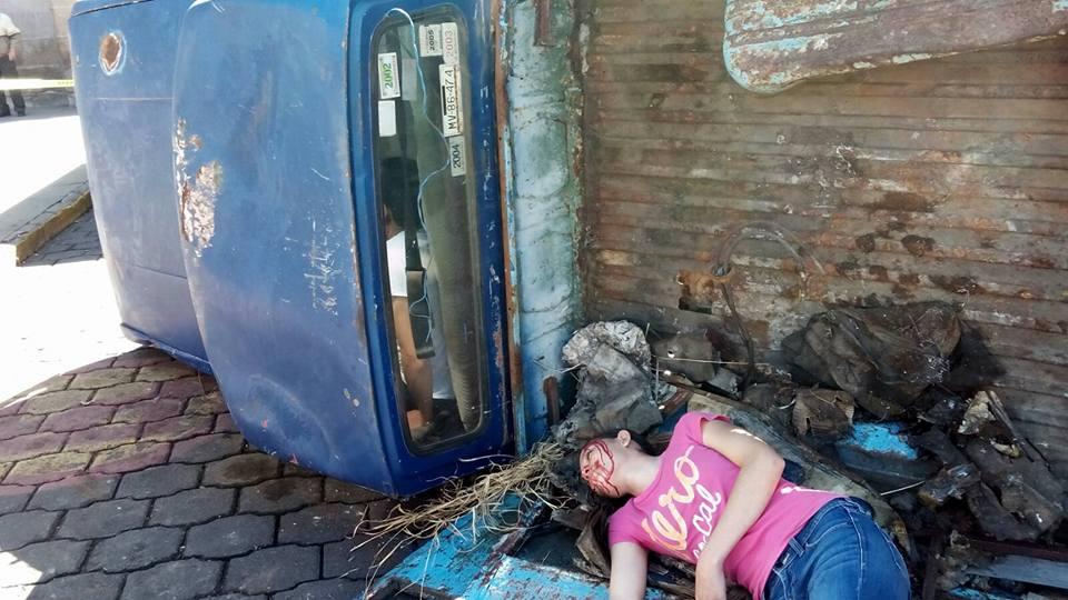 Ese tramo de la calle Allende se encuentra cerrado al tránsito vehicular; se recomienda tomar las debidas precauciones (FOTO: MARIO REBO)