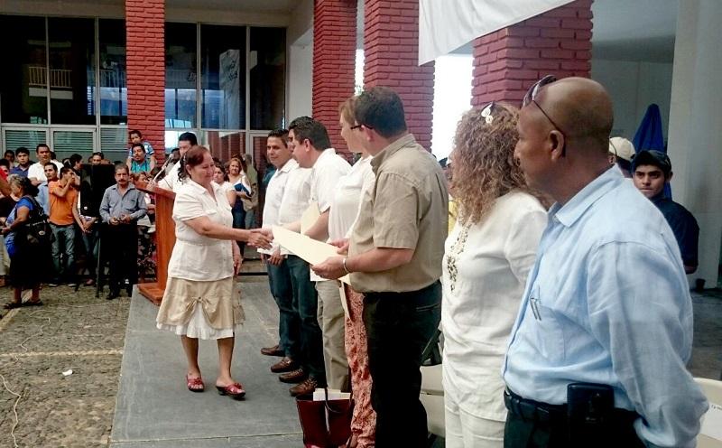 Avanza la campaña de regularización del estado civil de las y los michoacanos, en esta ocasión se realizaron 45 matrimonios en la ciudad portuaria