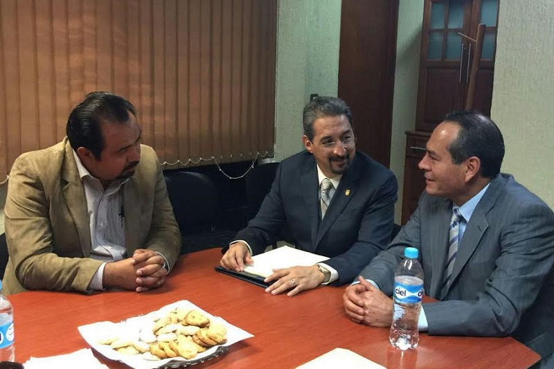 Atiende el rector Medardo Serna petición del auditor José Luis López Salgado