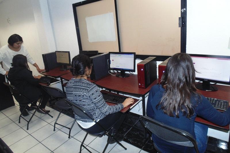 Cualquier duda sobre los registros y el Programa Beca Futuro en general podrá ser resuelta mediante el correo electrónicobecafuturo@michoacan.gob.mx, y los teléfonos 3-13-36-63 y 070