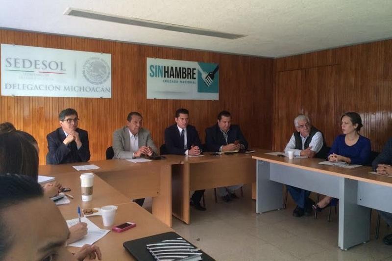 El delegado Víctor Tapia y los coordinadores de nueve programas a cargo de esta dependencia, explicaron a los comisionados de la CEEAV las reglas de operación de cada uno
