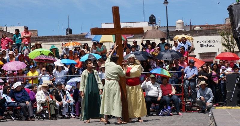 Convierten plazas públicas de Morelia en sitios de convivencia familiar