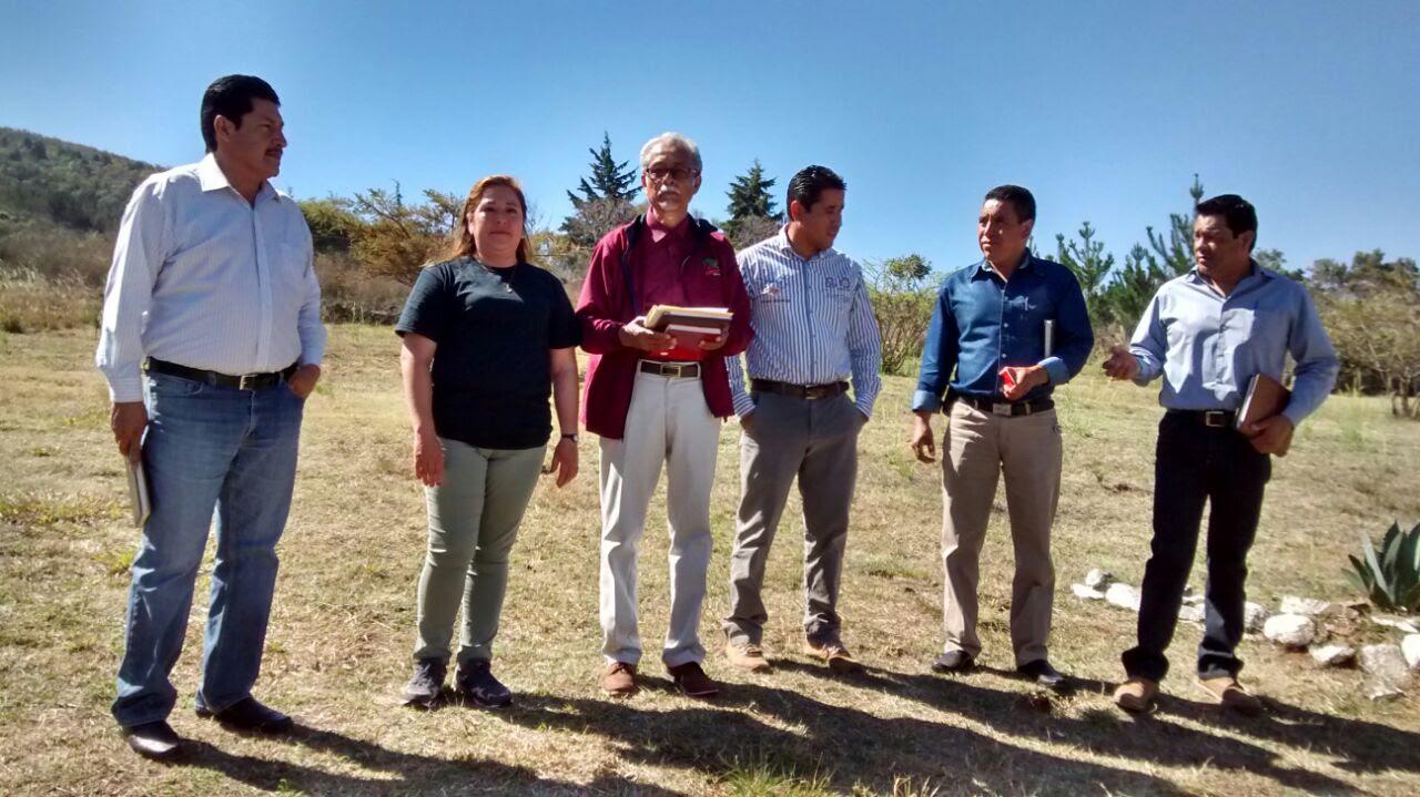 Por su parte, el alcalde Elesban Aparicio Cuiriz se comprometió con el 50 por ciento del presupuesto total de la obra, lo cual representa una inversión de 663 mil 300 pesos