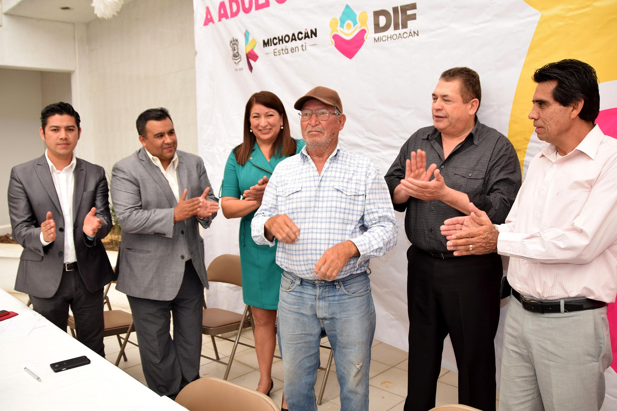 Carlos Hurtado Casado, titular de la Dirección Asistencia e Integración Social del Sistema DIF Michoacán, expresó que se seguirá trabajando en pro de los adultos mayores