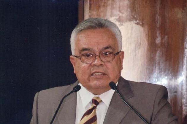 Velasco Pérez, nació en Morelia, Michoacán, en 1952 y es egresado de la Universidad Michoacana de San Nicolás de Hidalgo, como licenciado en Derecho