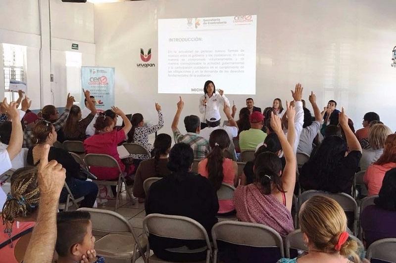 La titular de la Secoem, Silvia Estrada, enfatizó que la dependencia a su cargo apoya plenamente a los municipios en el tema de la transparencia y  rendición de cuentas