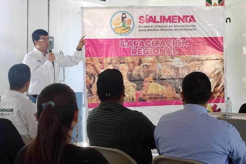 Miriam Tinoco Soto, titular de la Sepsol, aseguró que una vez capacitados los comités municipales, en breve arrancará este programa que tiene como meta cubrir los 113 municipios