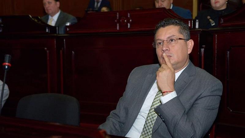 De nueva cuenta, Eduardo García Chavira hizo un llamado a la Secretaría de Salud para que no haya personal improvisado o incapaz en las plazas médicas que otorga