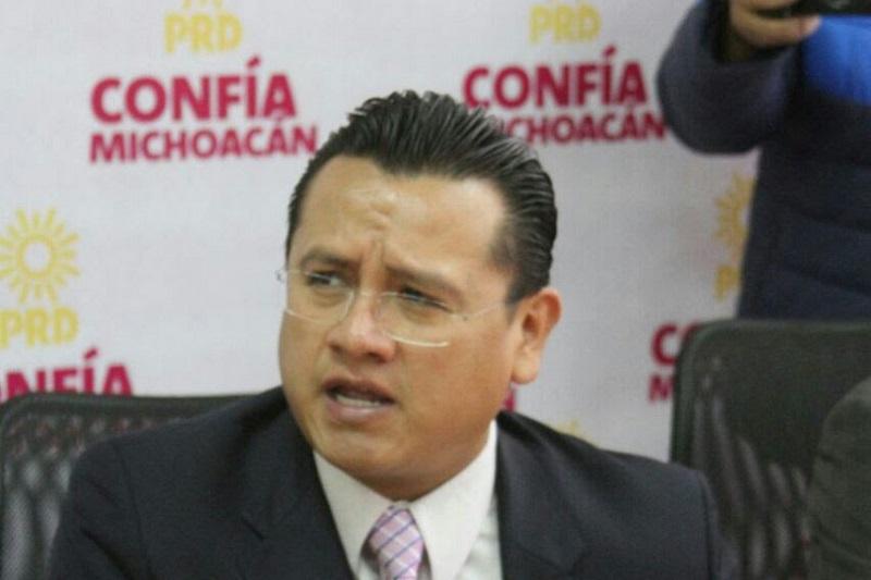 Torres Piña aplaudió la sensibilidad de los diputados locales del Sol Azteca que levantaron la voz contra el autoritarismo y la injusticia