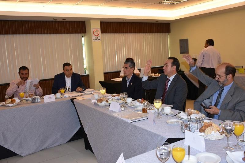 Soto Sánchez explicó que gracias al proyecto de un arquitecto michoacano se habrá de contar con un segundo piso del Expo Centro, además de que se construirá un Centro de Negocios