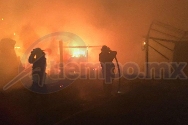 Al momento no se registran pérdidas humanas, sólo daños materiales (FOTO: FRANCISCO ALBERTO SOTOMAYOR)