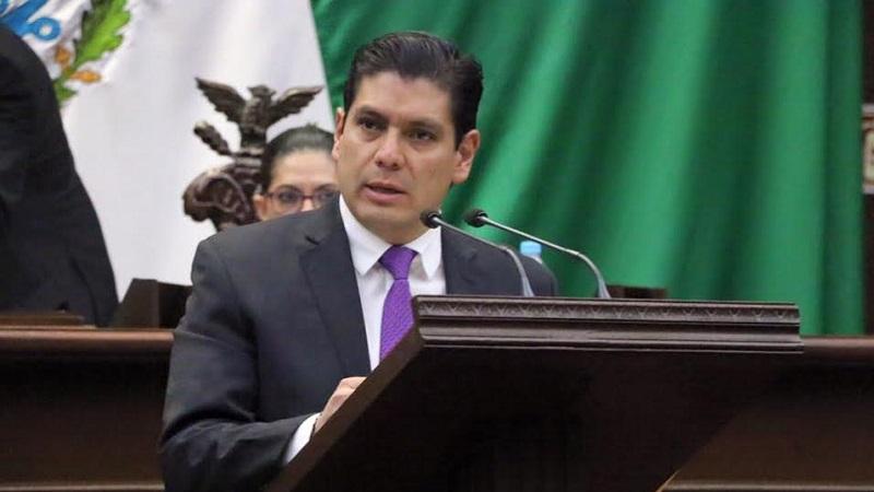 Con la iniciativa se pretende abrir los candados del Código Electoral del Estado para que más de un ciudadano tenga acceso a las candidaturas independientes en una misma elección: Núñez Aguilar