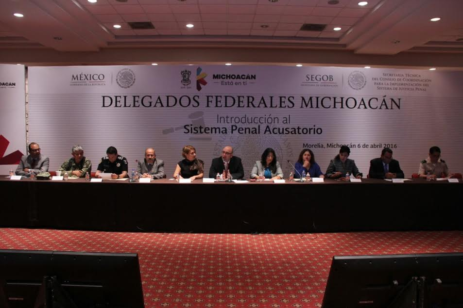 En una reunión de trabajo donde asistieron los 52 delegados federales en Michoacán, el representante de la SEGOB, Coalla Pulido destacó que la oralidad es el medio para poner en marcha los principios rectores del Sistema Acusatorio