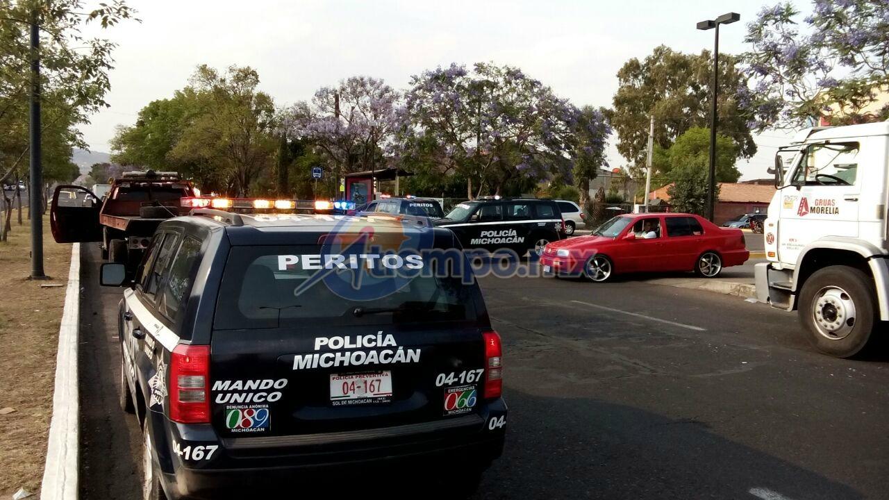 Gran operativo de revisión de papeles en la ciudad de Morelia este jueves (FOTO: MARIO REBO)