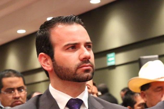 Benítez Silva subrayó que el proceso de reingeniería al que está sujeto el aparato de Gobierno, busca optimizar el uso del gasto corriente, para que estos recursos se apliquen con eficiencia