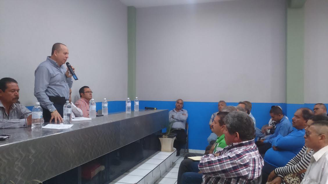 """La verdad se impuso y la justicia llegó, expresó Martínez Pasalagua; """"las rejas no me amedrentaron"""", expresó; posteriormente, adelantó que hay por echar a andar importantes proyectos"""