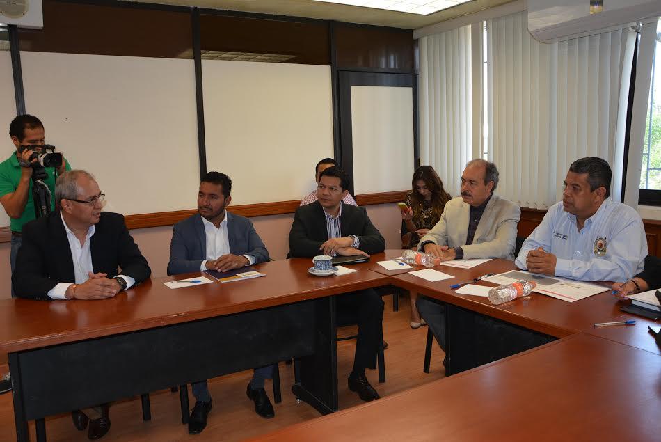 Silva Tejeda, ex delegado de Sedesol, recordó la experiencia con 600 nicolaitas quienes participaron para integrar en tiempo y forma más de 1,200 comités municipales de la Cruzada contra el Hambre