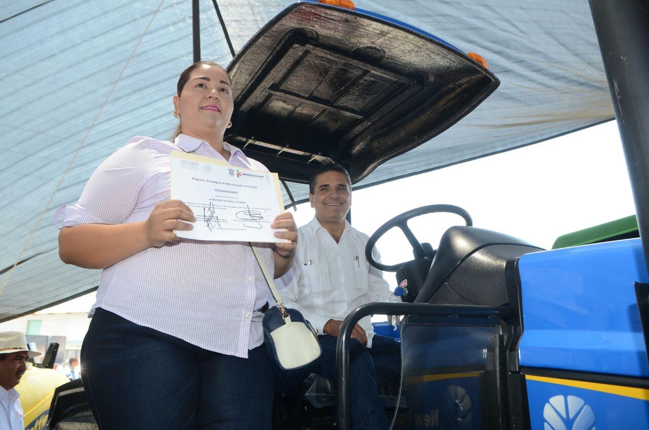 """""""Quiero que este sea el sexenio del campo michoacano, que ese sea el compromiso"""", aseveró Aureoles Conejo"""
