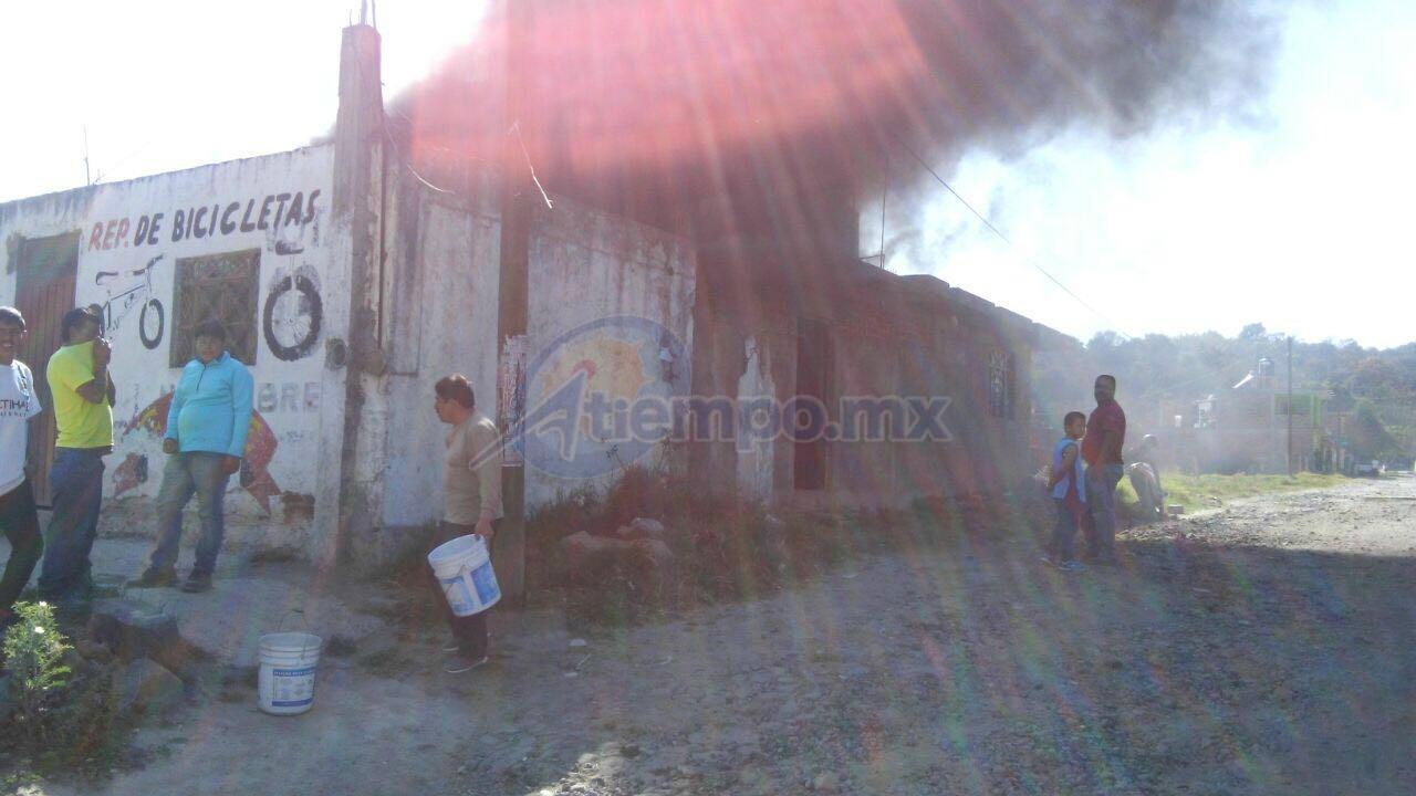 La conflagración fue atendida por las unidades BVZ-2010 y BVZ-2011 de la ABVEM (FOTO: FRANCISCO ALBERTO SOTOMAYOR)