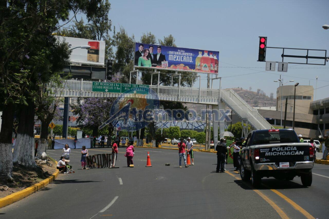 Los supuestos defensores de la Loma de Santa María ahora arremeten contra la vialidades de Morelia para llamar la atención (FOTO: FRANCISCO ALBERTO SOTOMAYOR)