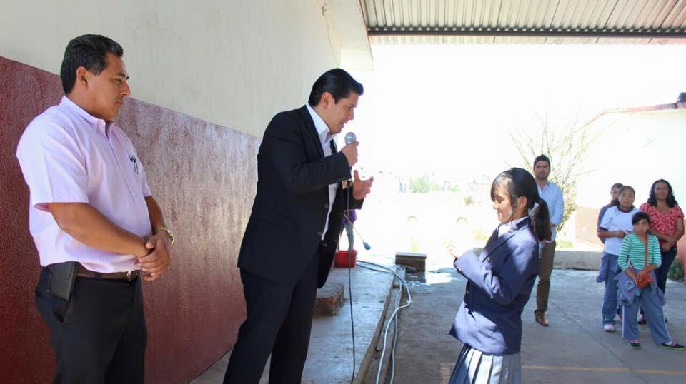 Núñez Aguilar comentó que la intensión es apoyar a los niños y jóvenes estudiantes porque son el futuro de Michoacán