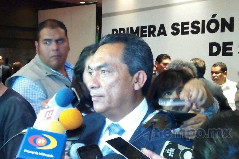 López Solís reprobó la violencia y las acciones de presión por parte de supuestos estudiantes (FOTO: MARIO REBO)