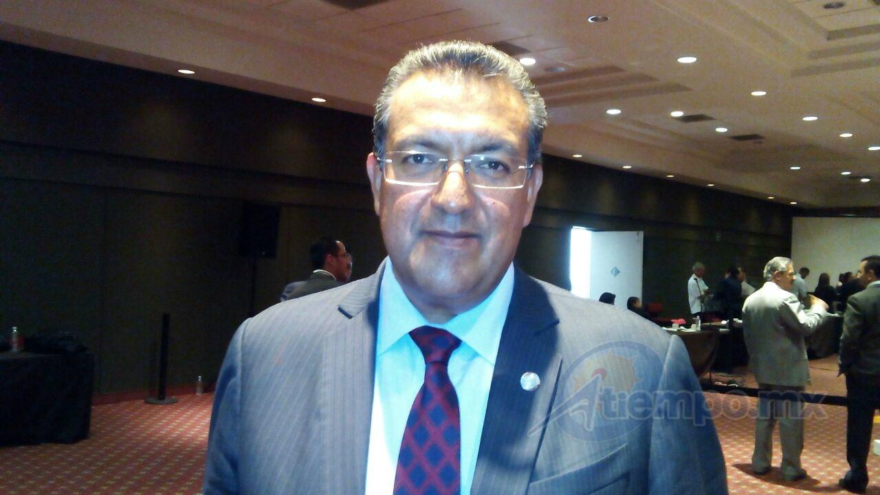 Lázaro Medina dio la bienvenida al anuncio del gobernador Silvano Aureoles en el sentido de que presentará una iniciativa de prevención de la violencia y la delincuencia (FOTO: MARIO REBO)
