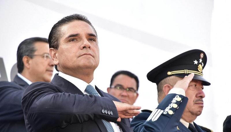 """Aureoles Conejo pidió a los 561 elementos que hoy se incorporan a la Policía Michoacán """"velar por la paz y tranquilidad de los michoacanos"""""""