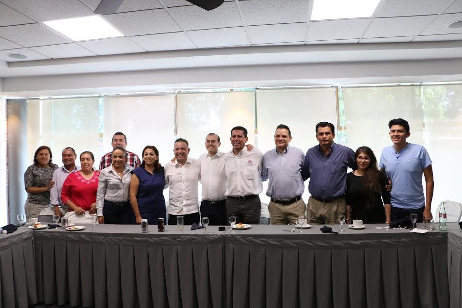 Para gestionar proyectos productivos y programas sociales, la bancada panista se reunió con la Asociación Mariana Trinitaria