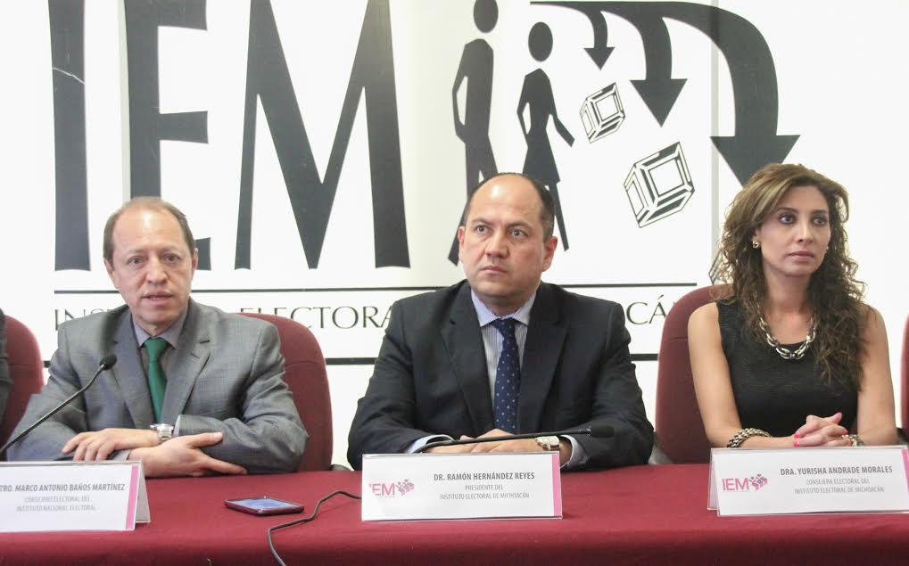 """Marco Antonio Baños Martínez participa en el Diplomado en Derecho Electoral como ponente con el tema """"Reformas Electorales 1990-1996"""" en la sede del Poder Judicial de Michoacán"""