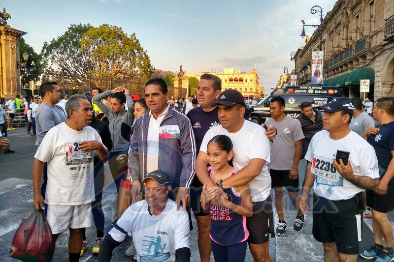 Más de 3 mil corredores participaron en esta fiesta deportiva que tuvo como sede el Centro Histórico de Morelia (FOTO: FRANCISCO ALBERTO SOTOMAYOR)