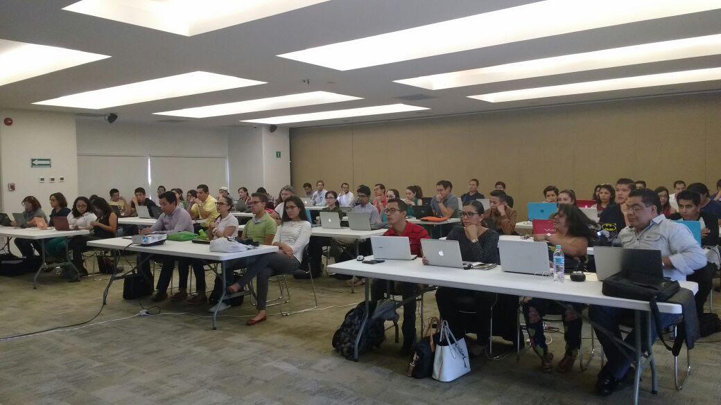 Amante Urbina dijo que ese taller se ofreció de manera gratuita a más 70 asistentes, quienes ahora contarán con nuevas herramientas para incursionar de forma más eficiente y calificada en el ámbito laboral, profesional  e institucional