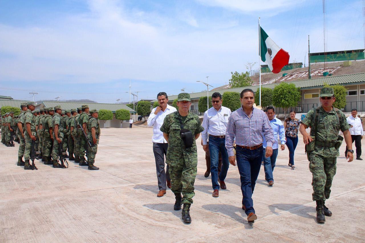 Aureoles Conejo reconoció la labor del Ejército Mexicano y refrendó su compromiso de coadyuvar para mejorar las condiciones de alojamiento y permanencia de los militares en esta área