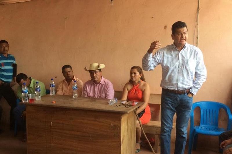 Juan Bernardo Corona asegura que mantiene constante comunicación con los ediles y los respectivos cabildos de los municipios que representa