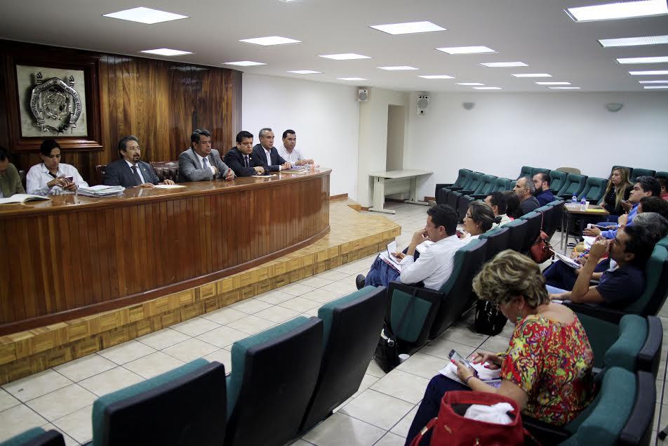 Serna González reiteró que existe todo el interés de la autoridad universitaria para reparar al cien por ciento las violaciones al Contrato Colectivo de Trabajo