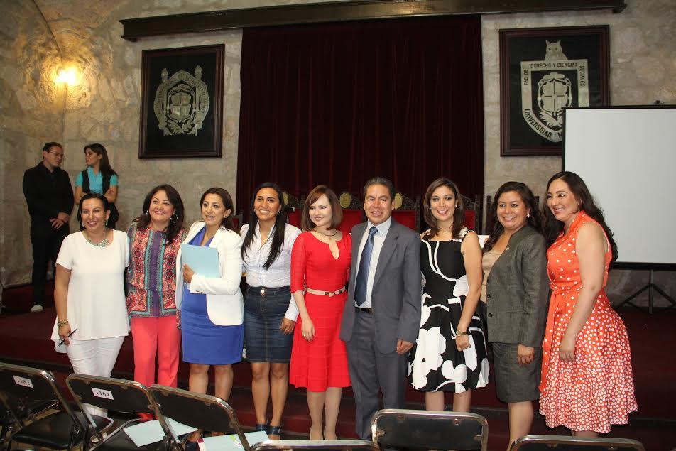 En su participación, la diputada Alma Mireya González reconoció que de manera desafortunada aún existen obstáculos que impiden que las mujeres estén a la par con los hombres en cargos públicos