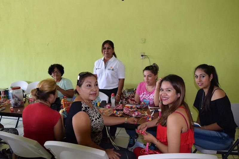 Actualmente, se refuerza la capacitación laboral en los municipios de Tierra Caliente: Juan Carlos Barragán