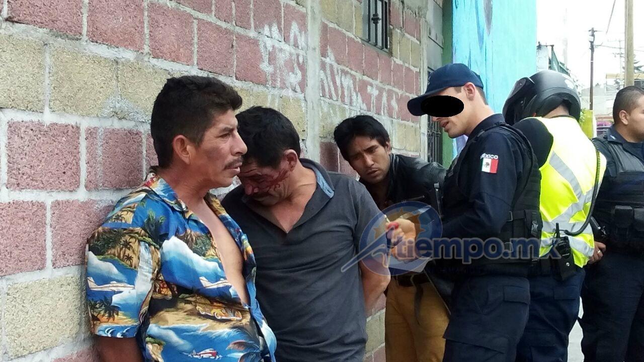 La persecución que terminó en la Avenida Mártires de la Plaza, cuando los civiles fueron cercados por los policías y tres de ellos se entregaron; el otro intentó huir corriendo, pero fue capturado metros más adelante (FOTOS: MARIO REBO)