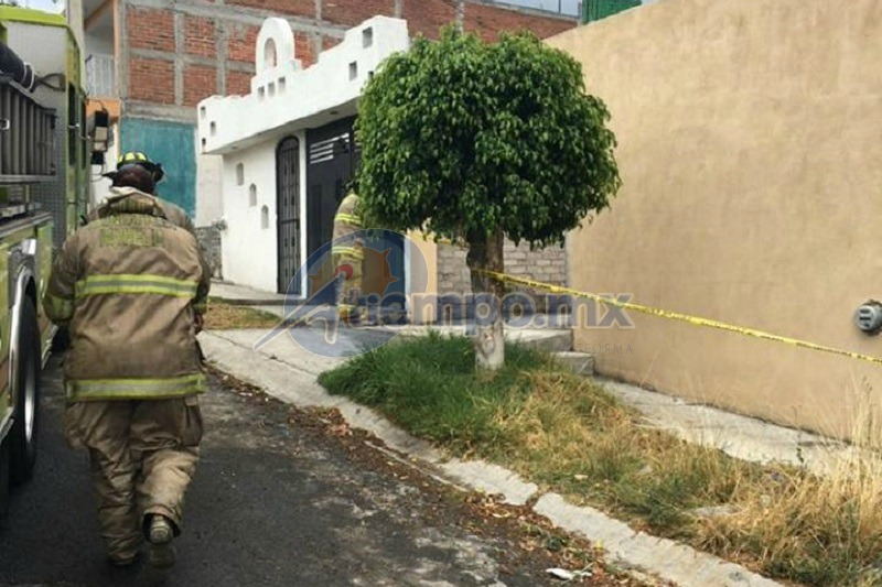 La atención inmediata de las autoridades evitó que los vecinos se acercaran a la zona (FOTO: FRANCISCO ALBERTO SOTOMAYOR)