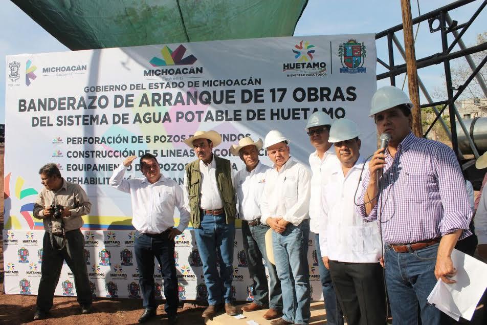 Elías Ibarra dio a conocer que se han realizado obras en pozos que carecían del vital líquido, así como equipamientos de norias e instalado líneas de conducción